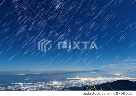 常念岳에서 아즈미노의 야경과 밤하늘 후지산 · 타케 · 아사 마산의 전망 68700916