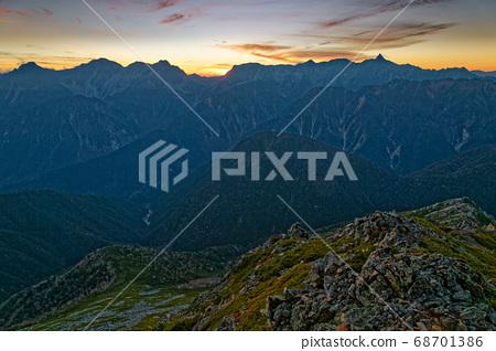Mt.Hotaka山脈的餘輝從山上看到。 68701386