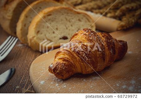 麵包擺盤 68729972