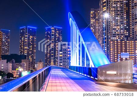 《東京》築地大橋和塔樓夜景・中央區灣區 68733018