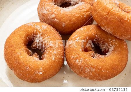 도넛 (링 도너츠). 68733155