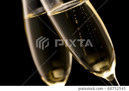 香檳黑色背景 68752545