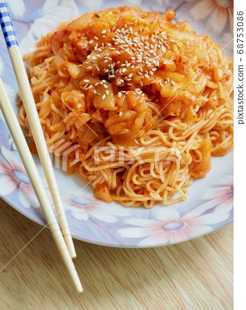 韓國傳統食品泡菜拌飯面 68753086