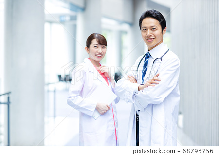 의료 이미지 남녀 68793756
