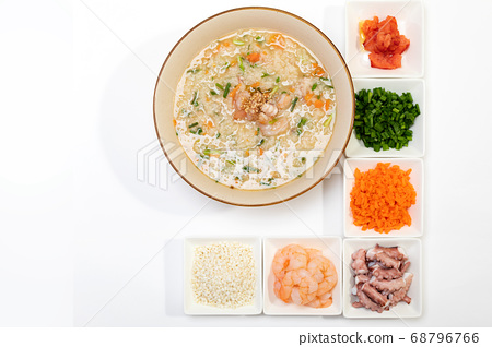 Rice porridge with octopus shrimp 68796766
