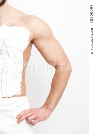 Chest of young man with shaving foam 68800097