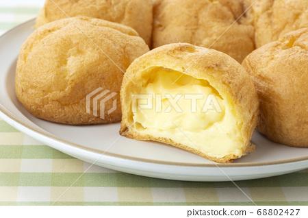奶油泡芙 68802427