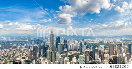 Panoramic view of Kuala Lumpur 68821209