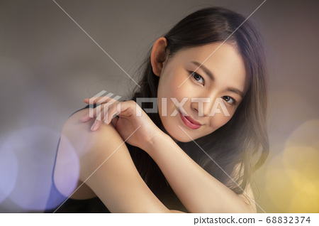 Woman Laughing Smile Beauty 68832374