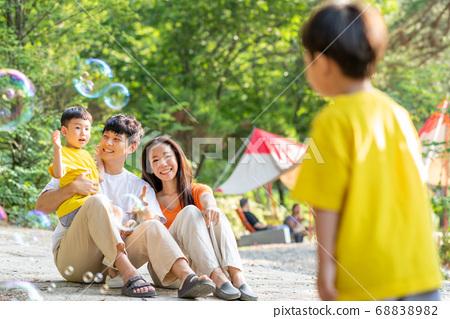 가족 라이프스타일 여행 캠프 68838982