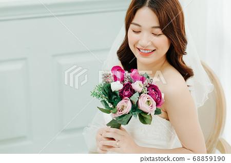 Happy Bride 68859190