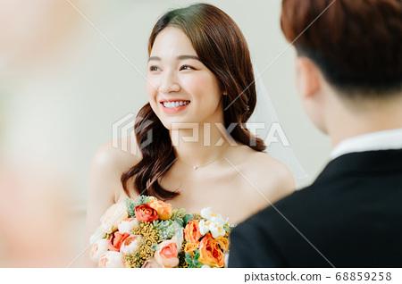 Happy Wedding 68859258