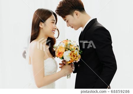 Happy Wedding 68859286