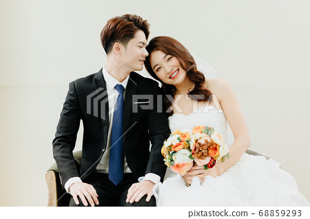Happy Wedding 68859293