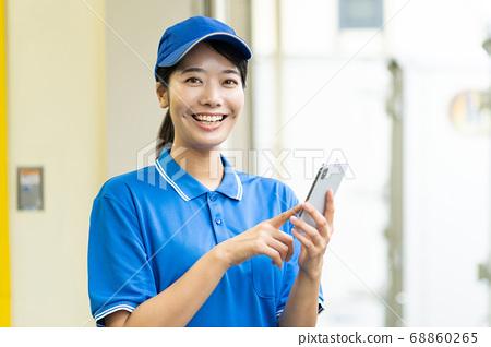 快遞銷售驅動程序,操作智能手機 68860265