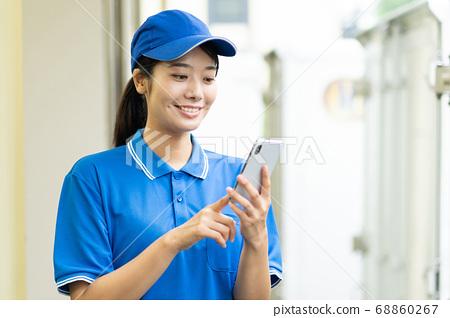 快遞銷售驅動程序,操作智能手機 68860267