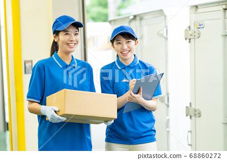 女卡車司機快遞工作 68860272