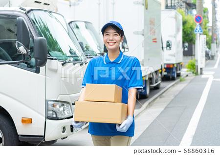 女司機卡車送貨上門服務 68860316