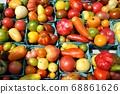 紐約農貿市場的有機番茄 68861626