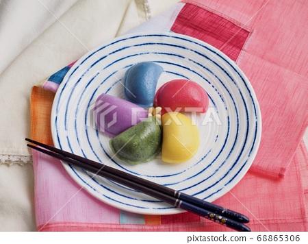韓國傳統食品Osaek Songpyeon 68865306