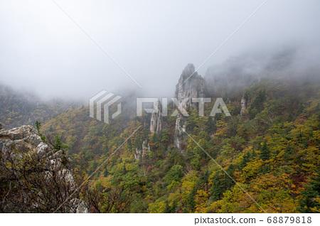 강원도 속초 설악산의 가을 풍경 68879818