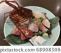 什錦生魚片 68908309