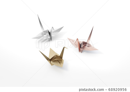 Golden, Silver and Rosegold Origami Bird, bird paper crane on white background 3d rendering. 3d illustration pair of bird paper craft for Hiroshima remembrance day minimal style concept. 68920956