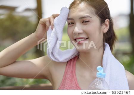 Women sportswear, Park 68923464