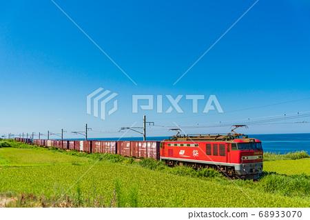 푸른 하늘과 동해화물 열차 니가타 현 무라카미시 68933070