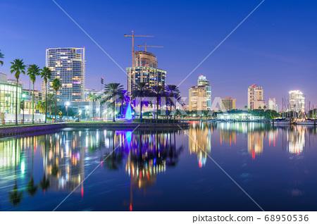 St. Petersburg, Florida, USA 68950536