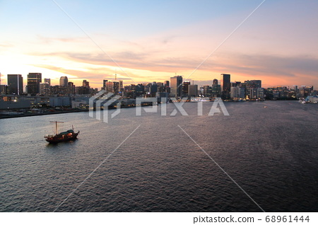 View of Tokyo Bay from Rainbow Bridge 68961444