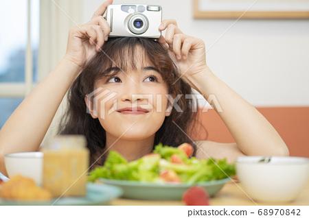 女性肖像 68970842