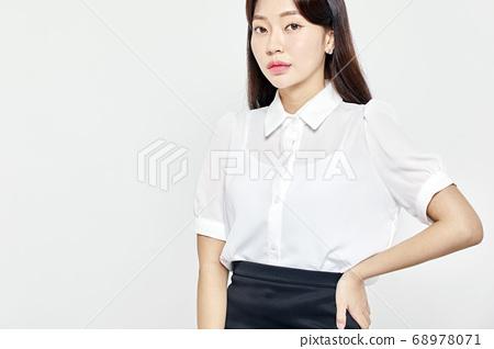 젊은여자,비즈니스,커리어우먼,비즈니스우먼 68978071