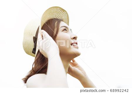 Girls enjoy life 68992242
