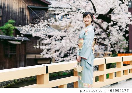 Kimono Woman Kimono Sakura 68994177