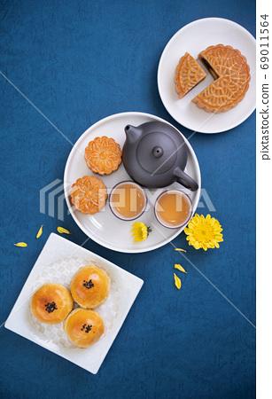 月餅 中秋節 頂視圖 Moon cake Mid-Autumn Festival げっぺい 十五夜 69011564