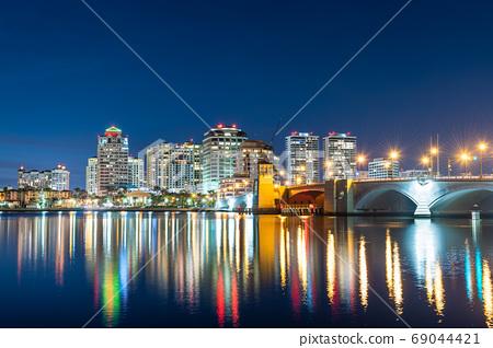 West Palm Beach, Florida, USA downtown skyline 69044421