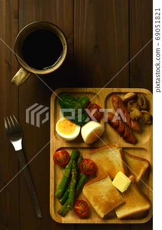 아침 식사 플레이트 69051821