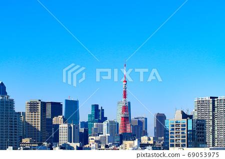 도쿄도 도쿄의 거리와 도쿄 타워의 풍경 69053975