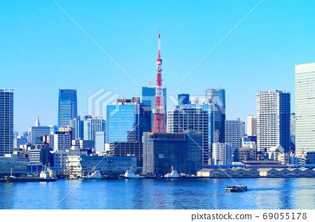 도쿄도 도쿄의 거리와 도쿄 타워의 풍경 69055178
