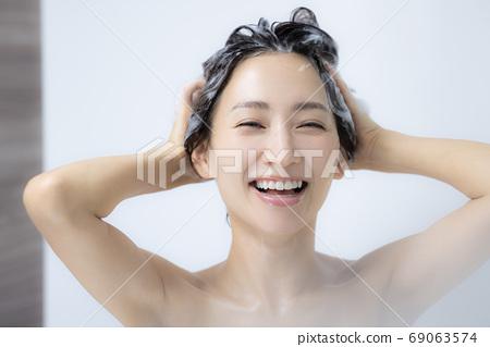Shampoo 69063574