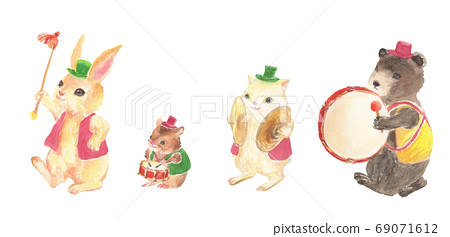 Illustration of a cute drum team painted in watercolor 69071612