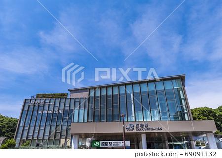 更新了JR原宿站的新站樓 69091132