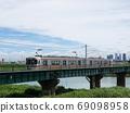 철교를 건너 JR 토카이 간사이 본선의 열차 (기하 313 계) 풍경 69098958