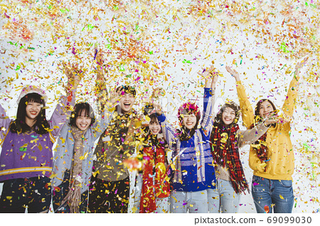 happy young people  celebrating new year holiday and christmas 69099030