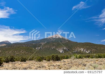 Beautiful landscape along the Grey Cliffs Trail 69125797