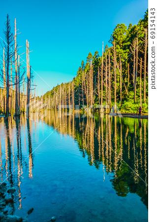 台灣高山湖泊-水漾森林 藍天倒影 69154143