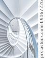 白色螺旋形樓梯 69167226