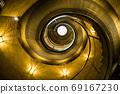 金色螺旋樓梯 69167230