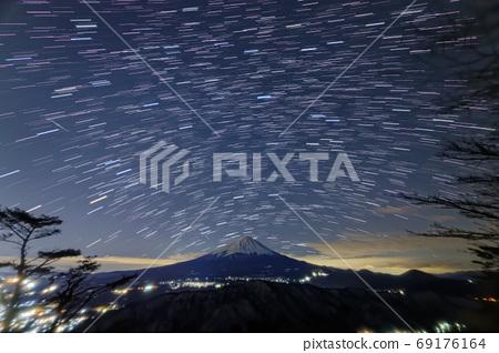 가와구치 · 毛無山에서 보는 후지산과 밤하늘 69176164